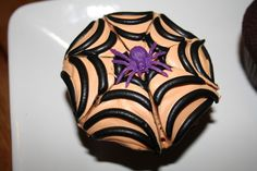 Spooky Chocolate Spiderweb Halloween Cupcakes This delicious cupcake recipe is easy to whip up and makes a spooky treat for a Halloween party.  Forget pretty and dainty, have fun making some that will bite back,  look spooky and scary, but still taste divine and delicious. Recipe at: www.foreverbaking.co.uk