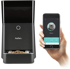 The Petnet SmartFeeder Automatic Feeder takes the guesswork out of feeding your pet! Pet parents can use the Petnet app to control the feeder, as well as recommend feeding portions based on your pet's specific dietary needs. Online Pet Supplies, Dog Supplies, Automatic Cat Feeder, Dog Words, Pet Camera, Dog Feeder, Thing 1, Cat Feeding, Healthy Pets
