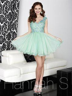 Hannah S 27021 Hannah S Lillian's Prom Boutique