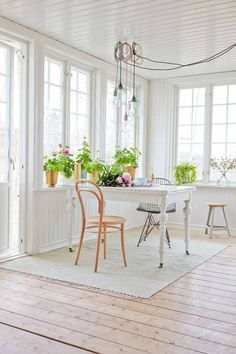 BEAUTIFUL PASTEL SUMMER COLORS FOR A FRESH LOOK | THE STYLE FILES