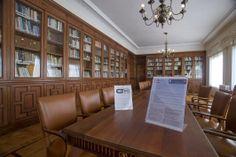 Sala de Lectura, Vista general Experimental, Conference Room, Furniture, Home Decor, Special Library, Reading Room, Zaragoza, Filing Cabinets, Classroom