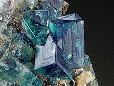 Viamineralia - Fluorite (308)