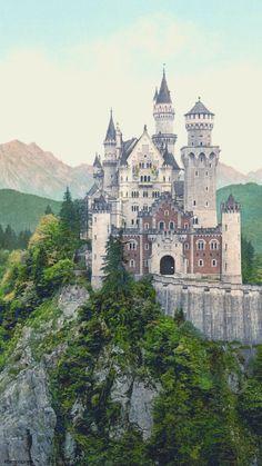 #fondodepantalla #minimalista #realesa #castillo Gothic Castle, Fairytale Castle, Medieval Castle, Cinderella Castle, Castles In Ireland, Germany Castles, Beautiful Castles, Beautiful Places, Amazing Places