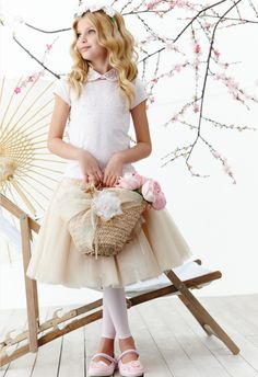 Monnalisa Chic Girlswear For Spring-Summer 2014 Young Fashion, Tween Fashion, Girl Fashion, Fashion Children, Girls Party Dress, Girls Dresses, Flower Girl Dresses, Little Fashionista, Little Kid Fashion