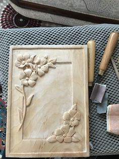 Wood Carving Designs, Wood Carving Patterns, Wood Carving Art, 3d Cnc, Wood Burning Crafts, Chip Carving, Wood Ornaments, Frame Crafts, Wooden Crafts