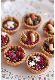 Foods To Eat, I Foods, Chocolates, Cake Recipes, Dessert Recipes, Egg Tart, Homemade Sweets, Small Desserts, Dessert Bread