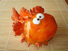 poisson qui pique En vente sur mon site ALM: http://www.alittlemarket.com/art-ceramique/fr_ceramique_poisson_qui_pique_orange_-11806115.html