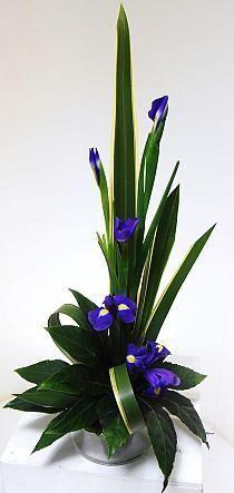 Flower arrangements – Inspired By The Best Contemporary Flower Arrangements, White Flower Arrangements, Floral Centerpieces, Arrangements Ikebana, Ikebana Flower Arrangement, Deco Floral, Arte Floral, Spring Flowers, Silk Flowers