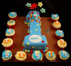 Giggle and Hoot 1st birthday cake idea