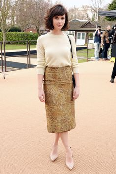 Burberry Prorsum Front Row - Felicity Jones  - London Fashion Week, Fall/Winter 2014-2015 - outfit - streetstyle