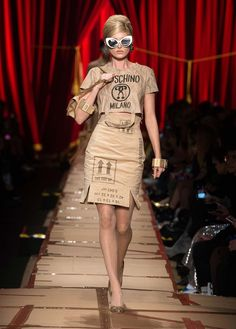 Janaes Style Moschino Fall Winter 2017 fashion show - See more on www.moschino.com