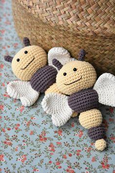 PATTERN Bug rattles Butterfly Bee and Caterpillar amigurumi pattern crochet pattern baby rattle crochet rattle DIY 3 languages Susanne Plattes Crochet Butterfly Pattern, Crochet Bee, Cute Crochet, Crochet Dolls, Crochet Flowers, Crochet Patterns, Crochet Mignon, Diy Bebe, Crochet Supplies