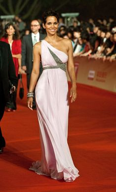 Halle Berry in a pale pink Grecian gown. #redcarpet #beaded #embellished #embellishment #effortless #dress