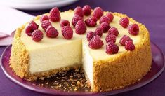 New York Cheesecake - my favourite kind! a creamy, tangy baked cheesecake - a Big Apple classic! New York Baked Cheesecake, Classic Cheesecake, No Bake Cheesecake, Cheesecake Recipes, Small Cheesecake Recipe, Simple Cheesecake, Homemade Cheesecake, Raspberry Cheesecake, Cheesecake Classique