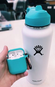 Trendy ideas for birthday background iphone posts Scrunchies, Hydro Flask Water Bottle, Cute Water Bottles, Drink Bottles, Vsco Pictures, Happy Pictures, Accessoires Iphone, Mein Style, Airpod Case