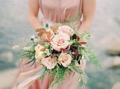 Style & the Bride's Top 10 Country Wedding Bouquets
