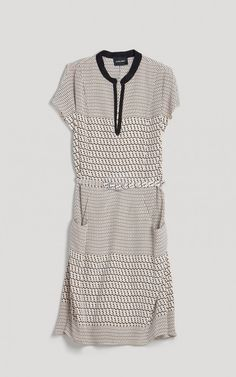 O darn it is out of stock! And it was only $552!!!! Wth is wrong w/people?!? Kinda makes me hate the dress even tho it is darn cute.