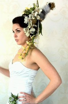 #noveilwearthis #weddinghairflowers #fabulousweddinghairflowers