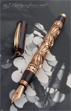 Fountain Pen Visconti The Three Magi – Hermitage Collection Photo by Álvaro Romillo Stylo Art, Graf Von Faber Castell, Luxury Pens, Fine Pens, Best Pens, Dip Pen, Writing Pens, Fountain Pen Ink, Pen And Paper