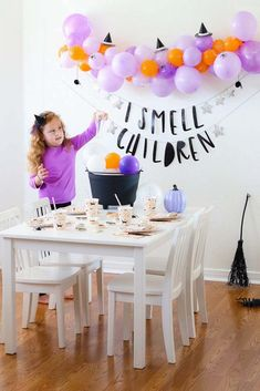 A Fun Hocus Pocus Inspired Halloween Party for the kids - Real Time - Diet, Exercise, Fitness, Finance You for Healthy articles ideas Halloween First Birthday, Halloween Party Games, Halloween Party Decor, Baby Halloween, First Birthday Parties, Birthday Party Themes, First Birthdays, Diy Party, Childrens Halloween Party