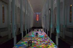 Videoprojektion: Magische Teppiche in einer marokkanischen Kathedrale   The Creators Project
