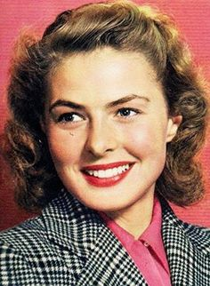 Ingrid Bergman flashes her warm and classic smile. Old Hollywood Stars, Golden Age Of Hollywood, Hollywood Glamour, Classic Hollywood, Swedish Actresses, Classic Actresses, Actors & Actresses, Isabella Rossellini, Fotografia