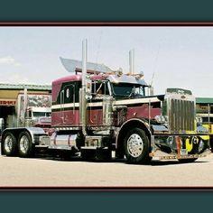 Peterbilt custom 359EX Rv Truck, Big Rig Trucks, Semi Trucks, Cool Trucks, Peterbilt 359, Peterbilt Trucks, Custom Big Rigs, Custom Trucks, Model Truck Kits