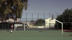 Aujourd'hui, Jean va au terrain essayer son nouveau ballon... // Today, Jean goes to the basketball court to try his brand new ball... A short film by HOTU http://hotu.fr/ https://www.facebook.com/hotu.fr https://www.youtube.com/user/collectifHOTU