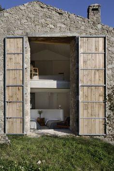 Off Grid Home in Estremadura , Portugal - Ábaton Architects