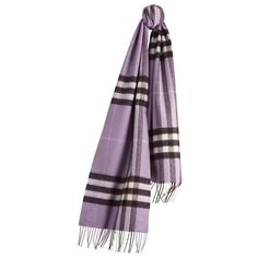 The Burberry Classic Cashmere Scarf in Check ($475) ❤ liked on Polyvore featuring accessories, scarves, burberry shawl, fringe scarves, burberry scarves, woven scarves and cashmere scarves