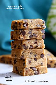 Vegan Chocolate Chip Cookie Dough Bars. No Bake Glutenfree