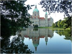 Fotografía: Marcela Villarino  Neues Rathaus (Hannover) Elba, The Good Place, Taj Mahal, Nice, Building, Travel, Monuments, Museums, Cruise
