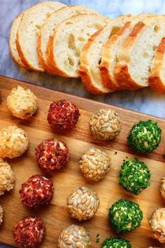 Cheese Ball Bites Are the Ultimate Make-Ahead Christmas Party Appetizer : Cheese Ball Bites are the ultimate make-ahead party A simply adorable starter for the holiday season, these mini cheese balls take only 15 minutes to whip together. Snacks Für Party, Appetizers For Party, Healthy Appetizers, One Bite Appetizers, Food For Parties, Christmas Cocktail Party Appetizers, Birthday Appetizers, Individual Appetizers, Party Canapes