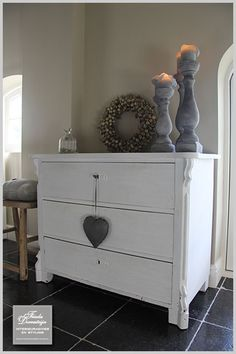 Wreath on dresser Dresser As Nightstand, Dressers, Home Decor Furniture, Painted Furniture, Home Interior, Interior Decorating, White Chest Of Drawers, Sweet Home, Corridor