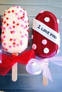 Discover recipes, home ideas, style inspiration and other ideas to try. Valentines Baking, Valentines Day Cakes, Valentine Cookies, Cat Valentine, Paletas Chocolate, Chocolate Cupcakes, Cake Cookies, Cupcake Cakes, Magnum Paleta