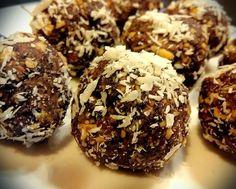 Raw čokoládové kuličky s konopným proteinem / raw chocolate balls with hemp protein