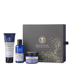 Rejuvenate Frankincense Collection - £45. For the sophisticated individual who always looks the part, this rejuvenating collection brings a touch of luxury this Christmas. Made with relaxing frankincense, hand-harvested by families who've tended the same trees for generations, this skincare collection tones and hydrates to leave skin beautifully rejuvenated. #christmas #christmasgifts #gifts #nealsyard #organic #beauty #natural #essentialoils #naturalbeauty #frankincense