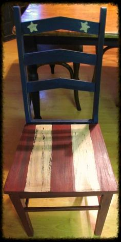 Americana chair by katharine. Inspiration for painted chair, but center stripes on seat and add white stars on center back. Americana Crafts, Patriotic Crafts, Patriotic Decorations, July Crafts, Primitive Crafts, Wood Crafts, Decor Crafts, Pallet Ideas, Painted Chairs