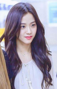 Kpop Girl Groups, Korean Girl Groups, Kpop Girls, Kim Jennie, Yg Entertainment, Blackpink Members, Blackpink Photos, Blackpink Jisoo, Girl Bands