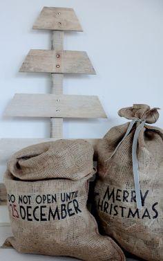 Jute zakken voor kerst..! christmas coming