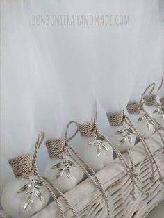 Μπομπονιέρα Γάμου Κλαδί Ελιάς - Bonboniera Handmade Napkin Rings, Home Decor, Fiestas, Interior Design, Home Interior Design, Napkin Holders, Home Decoration, Decoration Home, Interior Decorating