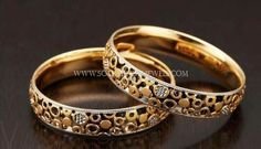 Gold Jewelry For Wedding Gold Bangles Design, Gold Earrings Designs, Gold Jewellery Design, Gold Jewelry, Gold Designs, Jewelry Model, Schmuck Design, Silver Bracelets, South India