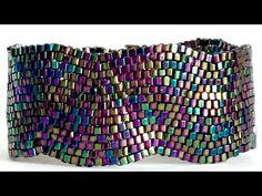 Peyote Stitch Bracelet ( Waves ) – Keep up with the times. Beaded Braclets, Beaded Bracelet Patterns, Jewelry Patterns, Seed Bead Patterns, Peyote Patterns, Weaving Patterns, O Beads, Peyote Beading, Beaded Bracelets