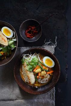 Recipe for a delicious laksa noodle soup served with a soft boiled egg. This light style of spicy noodle soup is packed full of Asian vegetables and flavour Laksa Soup, Curry Laksa, Laksa Bar, South African Recipes, Asian Recipes, Ethnic Recipes, Asian Vegetables, Food Crush, Hot Soup