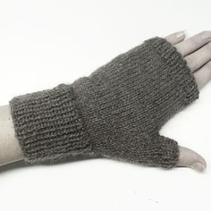 Ravelry: Your First Fingerless Gloves pattern by Kristin McDougall Crochet Mittens, Mittens Pattern, Crochet Pattern, Easy Knitting, Knitting Yarn, Knitting Patterns, Ravelry, Fingerless Gloves Knitted, How To Purl Knit