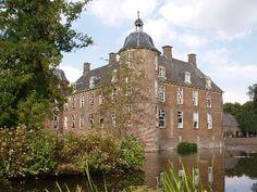 Kasteel Slangenburg Doetinchem, neem een kijkje achter de voordeur op http://www.kasteelslangenburg.nl