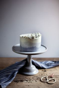Earl Grey Cake + Honey Buttercream Frosting