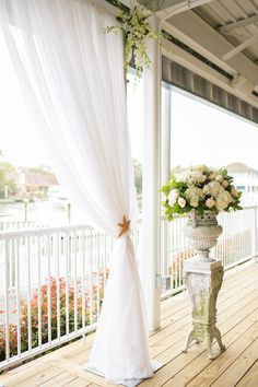Loving the decor of this #waterfront #wedding! {Amanda Hedgepeth Photography}