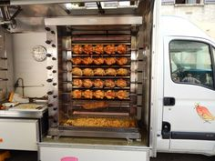 Chicken Bar, Chicken Boxes, Chicken Shop, Oven Chicken, Food Business Ideas, Food Truck Business, Chicken Grill Machine, Starting A Food Truck, Mobile Food Cart