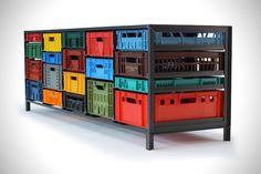 Una cassettiera composta da cassette reciclate. Un'idea utile ed ecologica inventata dal designer olandese Mark van der Gronden.